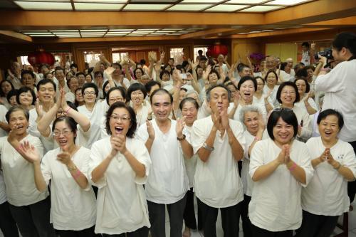 【中華日報】許和忍抗癌成功 當志工分享快樂